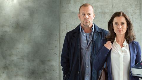 Susanne (Inka Friedrich) besteht auf eine Ehepause und ist kurzfristig zu ihrer Mutter gezogen. Ihr Mann Max (Hein Ferch) möchte das nicht akzeptieren und campiert in seinem Auto vor dem Haus. Er erhält aber unerwartete Unterstützung von seiner Schwiegermutter Greta (Petra Kelling).