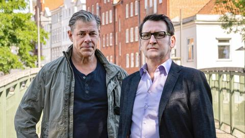 Die Lübecker Ermittler Finn Kiesewetter und Lars Englen, gespielt von Sven Martinek (l.) und Ingo Naujoks (r.)
