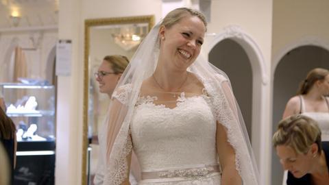 """""""Die Braut inspe"""" Jana weiß ganz genau wie ihr Hochzeitskleid aussehen soll."""