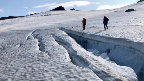 Gletscherspalte auf dem Snæfellsjöküll: Der Gletscher auf dem knapp 1500 Meter hohen Vulkan könnte schon in 30 Jahren verschwunden sein.