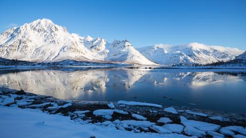 Blick auf Gletscher und einen See in Alaska