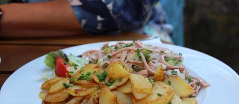 Wurstsalat mit Kartoffeln