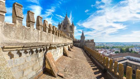 Blick auf den Vierungsturm der Kathedrale von Évora