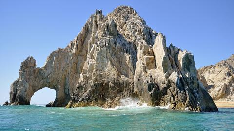 Der berühmte Felsbogen El Arco am Ende der Baja California.