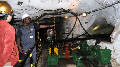 Mitarbeiter einer zum Museum umgebauten Goldmine in Johannesburg.