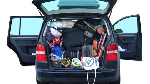 Kofferraum mit Gepäck