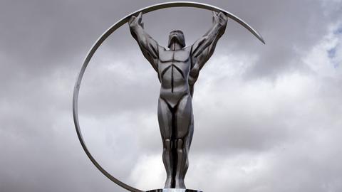 Die Laureus Statue.