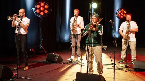 Banjoory musiziert auf der Bühne frei!-Bühne.