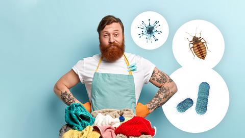 Ein Mann steht vor einem Wäschekorb und schaut resigniert. Um ihn schweben in weißen Kreisen Abbildungen einer Wanze, eines Virus' und von Bakterien.