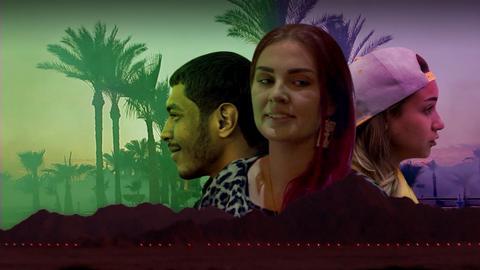 Drei Protagonisten vor Hintergrund mit Palmen.