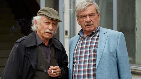 Die Kommissare Edwin Bremer (Tilo Prückner, l.) und Günter Hoffmann (Wolfgang Winkler, r.)