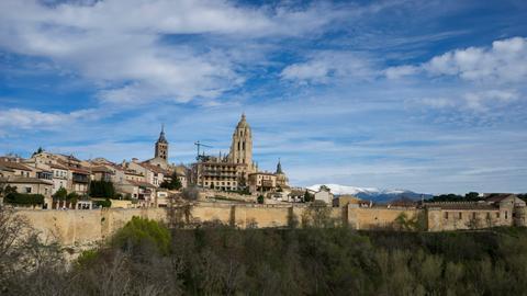 Blick auf Segovia in der Serranía Celtibérica.
